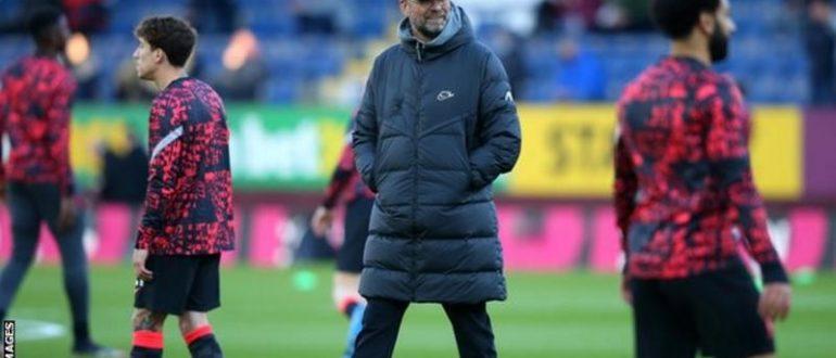 L'équipe de Liverpool Klopp a terminé avec 18 points d'avance sur Man City lorsqu'elle a remporté la Premier League la saison Dernière.